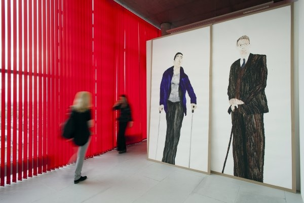 Benjamin Orlow – The tallest man alive today and thetallest man ever, life size, watercolour on paper, mdf board, 300 x 300 cm