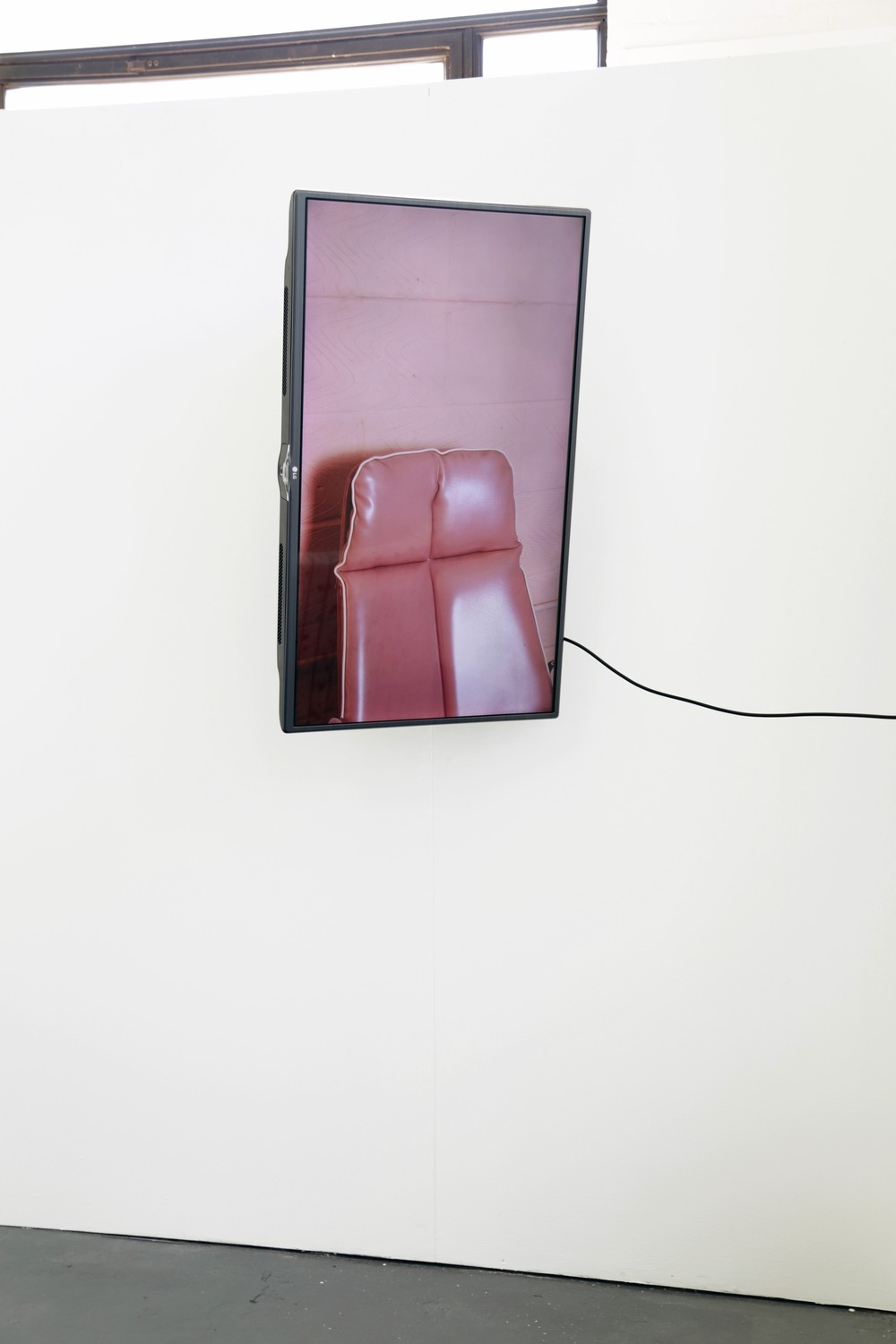 "Camille Yvert – Signaux Extérieurs, Digital photography on 42"" Screen, full motion TV wall mount. 101 x 62.2 x 8cm, 2018"